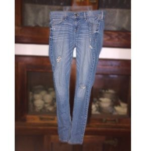 Hollister light wash jeans, size 5
